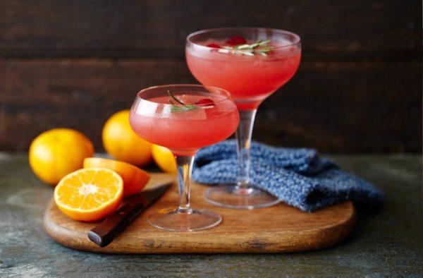 cocktails-para-san-valentin-con-frutos-del-bosque