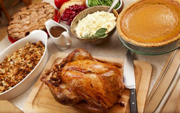 como-preparar-una-buena-cena-de-accion-de-gracias-thanksgiving-day-la-guarnición-de-accion-de-gracias