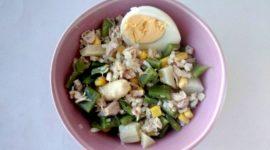 Ensalada de arroz integral y judías verdes