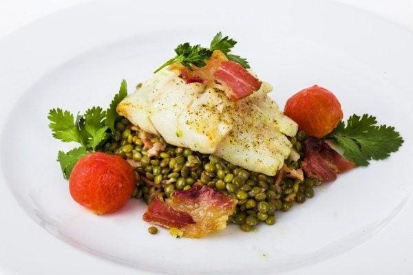 Ensalada de lentejas con verduras salteadas sabor fresco
