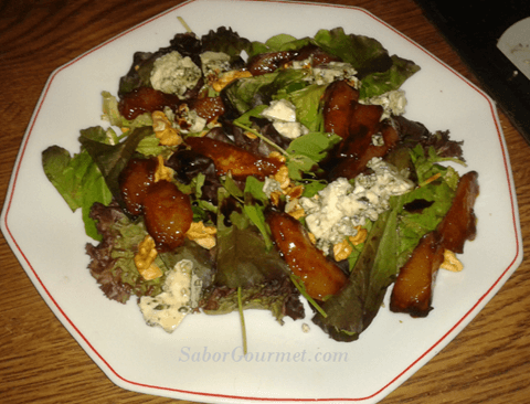 ensalada-peras-caramelizadas-queso-azul-bf