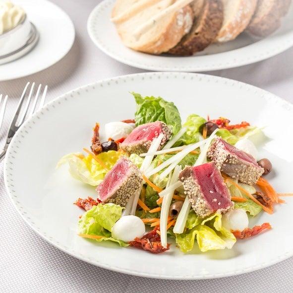 Ensaladas coloridas como darle color a la ensalada atun rojo