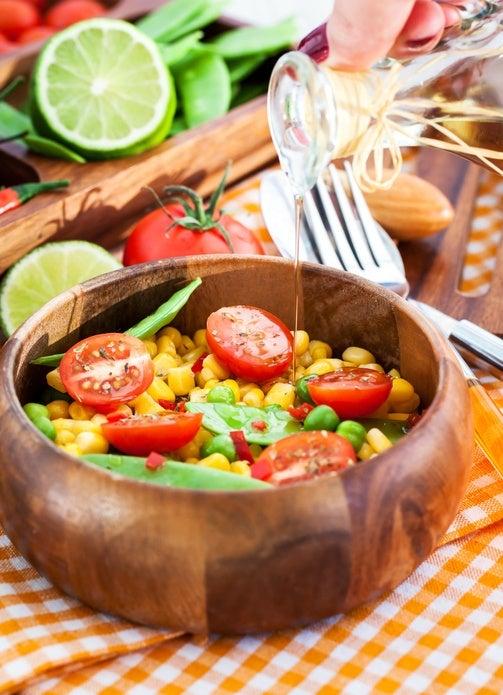 Ensaladas coloridas como darle color a la ensalada maiz