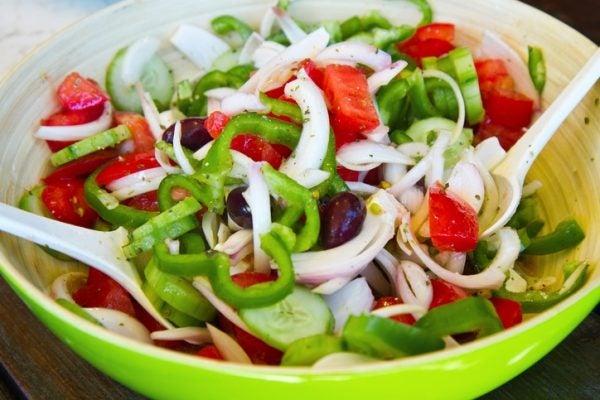 Ensaladas coloridas como darle color a la ensalada pimiento