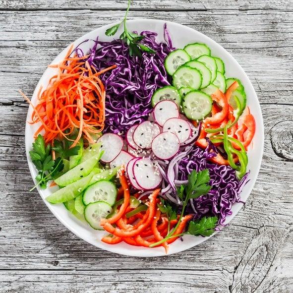 Ensaladas coloridas como darle color a la ensalada verduras remolacha zanahoria cebolla