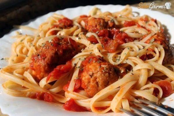 espaguetis_con_albondigas