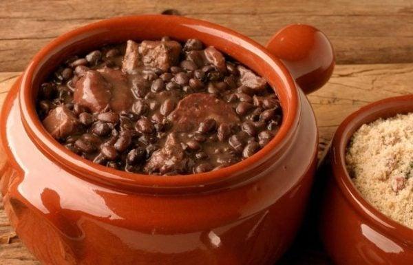 feijoada-de-brasil-elaboración