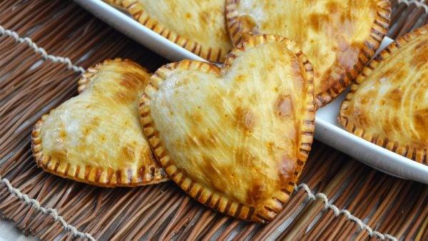 menu-san-valentin-2016-entrantes-empanadillas-con-forma-de-corazon
