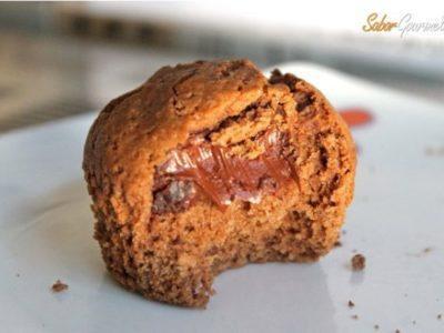 Cómo hacer muffins rellenos de chocolate