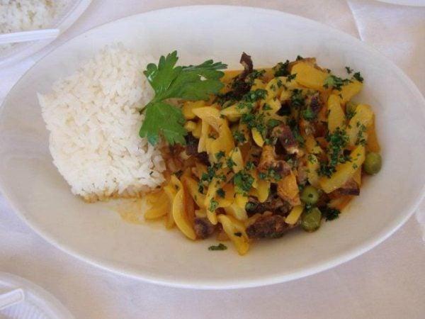 olluquito-con-charqui-peruano-RECETA