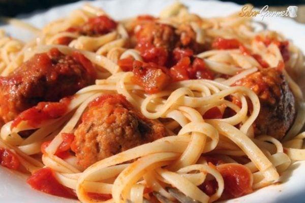 pasta-con-albondigas