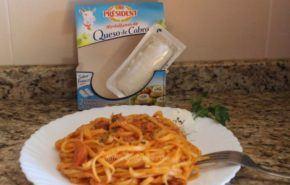 Pasta con salsa de tomate y queso de cabra para verano 2014