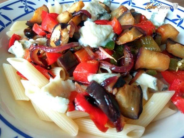 pasta-con-verduras-queso-azul