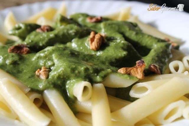 pasta-espinacas-salsa-gorgonzola