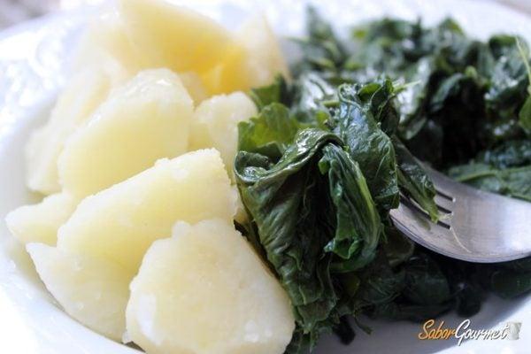 patatas-con-grelos