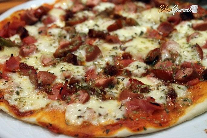 pizza-con-salchichas
