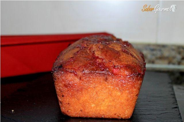 plum cake cereza