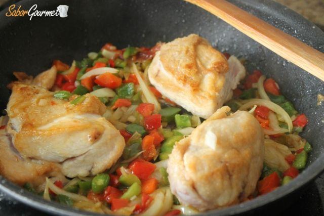preparacion pollo al chilindron