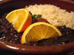 receta-de-feijoada-de-brasil-servir