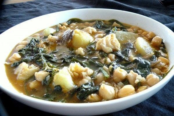 receta-de-potaje-de-vigilia-con-bacalao-y-espinacas