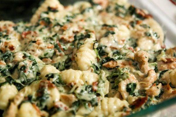 receta-vegetariana-para-navidad-noquis-de-espinaca-noquis-de-espinaca-pollo-y-harina-de-arroz