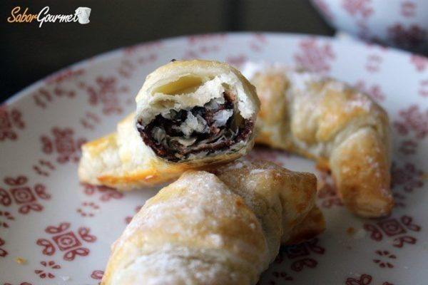 recetas-de-hojaldre-faciles-croissants-chocolate