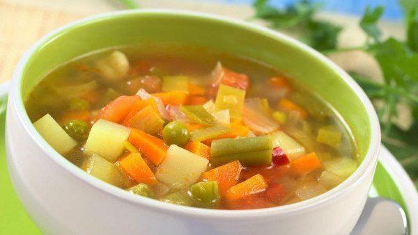recetas-que-comer-despues-de-navidad-sopa-de-verduras