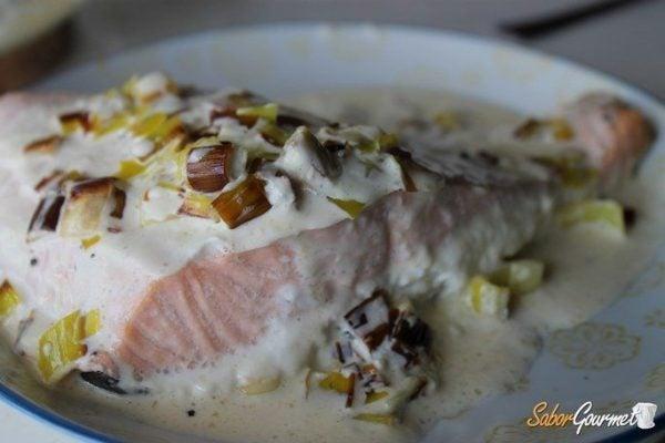 salmon-horno-con-puerros-receta