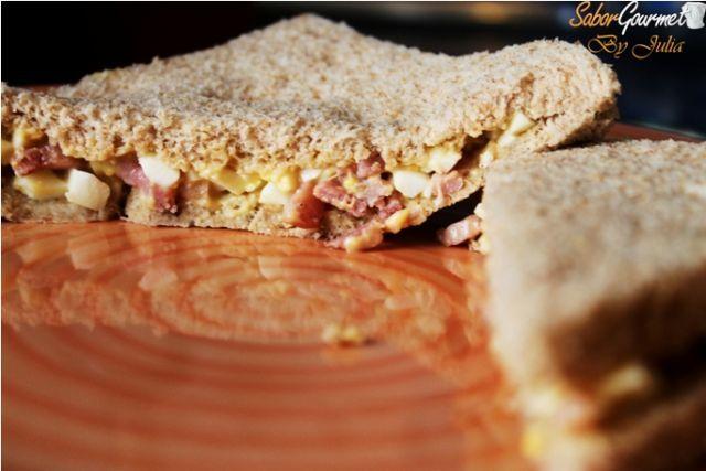 sandwich bacon y huevo