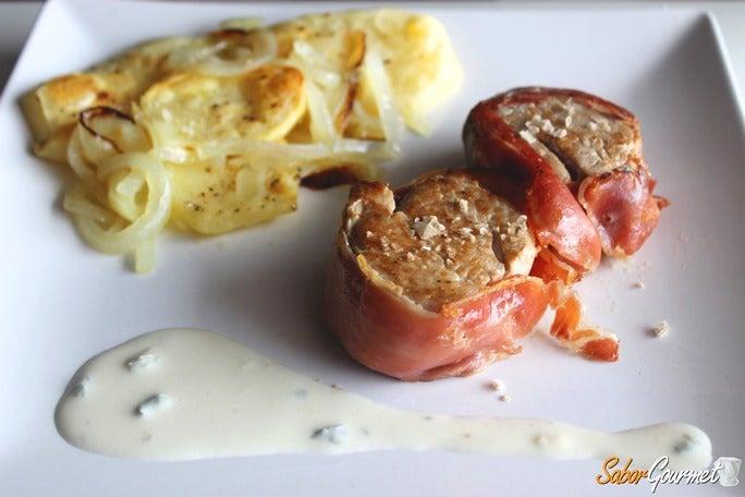 solomillo-con-jamon-salsa-queso