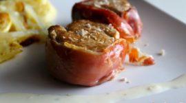 Solomillo enrollado en jamón con salsa de queso