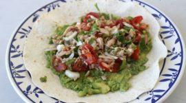 Tacos de atún y guacamole