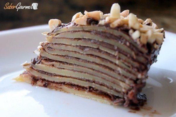 tarta de crepes con nutella y almendras