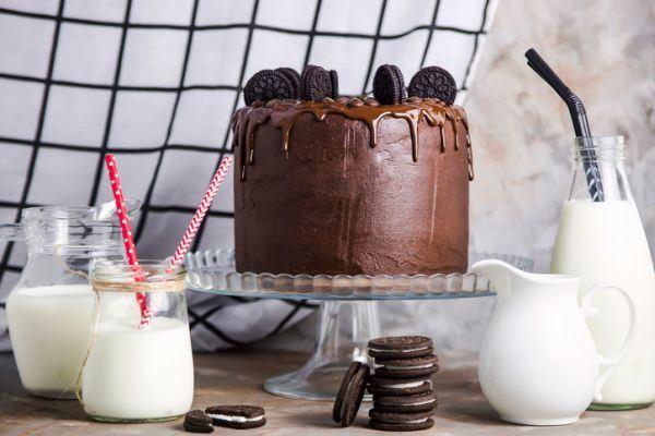 tarta-helada-de-oreo-cheesecake-chocolate-istock