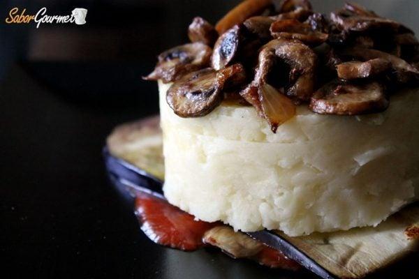 timbal-patatas-champiñon-y-berenjena