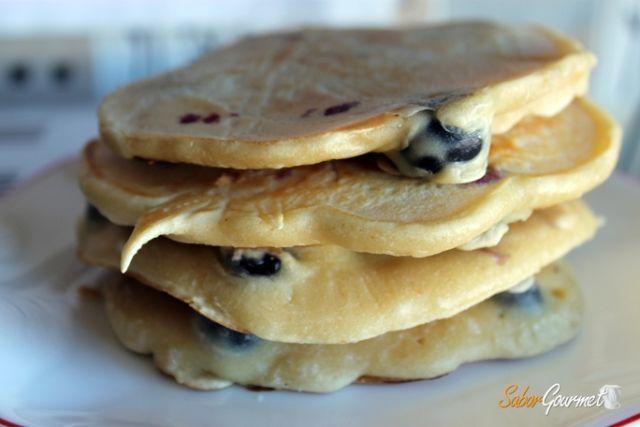 tortitas-americanas-con-arandanos