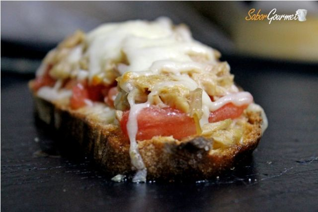tosta de atún y mozzarella