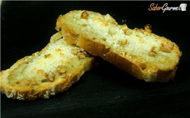 tostas de paté de alcachofa parmesano