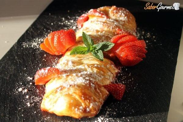 trenza-hojaldre-con-fresas